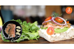 Smoked Salmon Cream Cheese Sandwich [VDO]